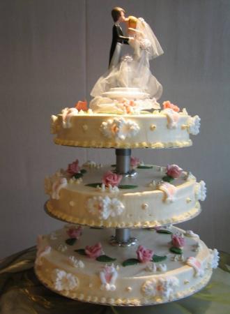 Hochzeitstorte mit Brautpaaar